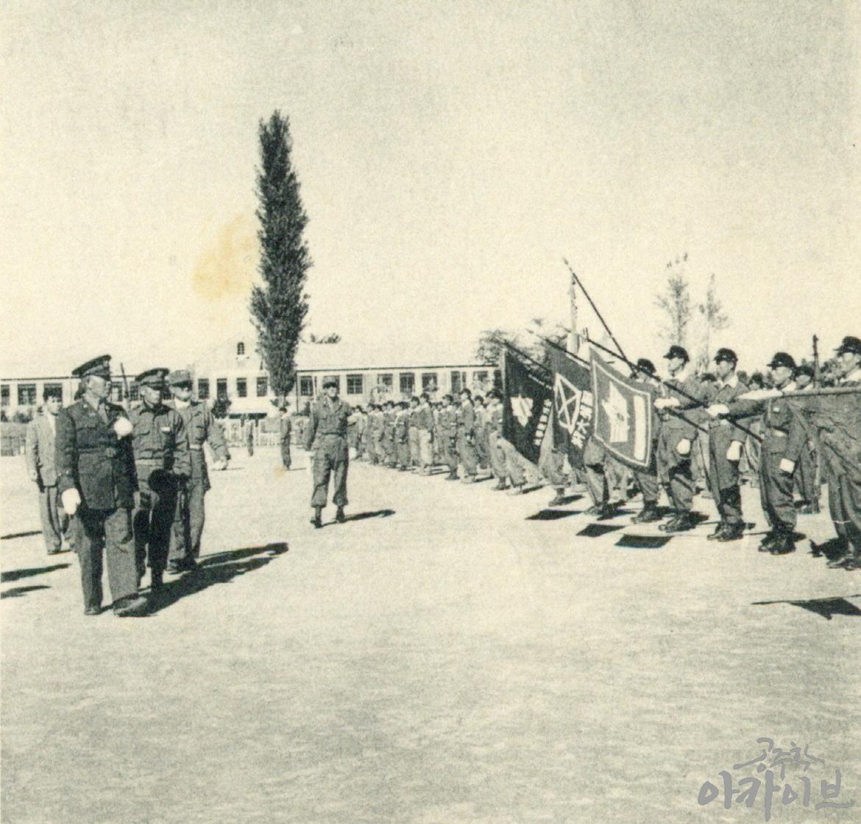1954년 사대부고 육군 장교 방문 6