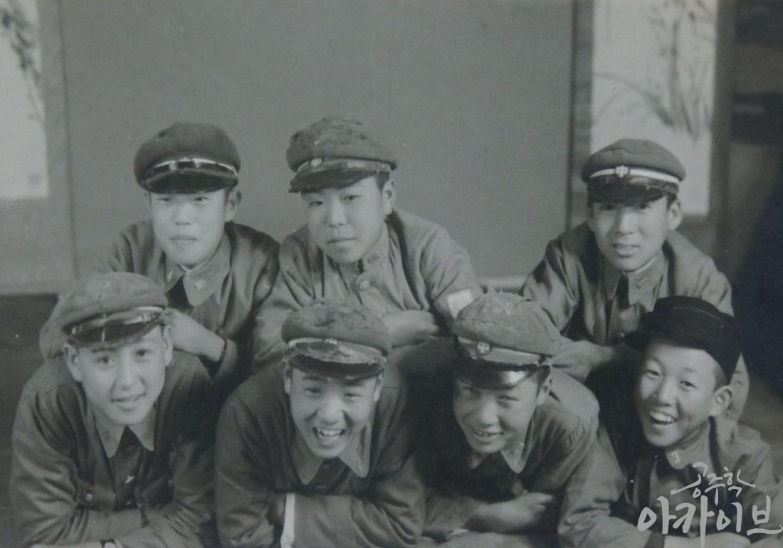1940년 공주공립고등보통학교 학생들의 기념사진 2