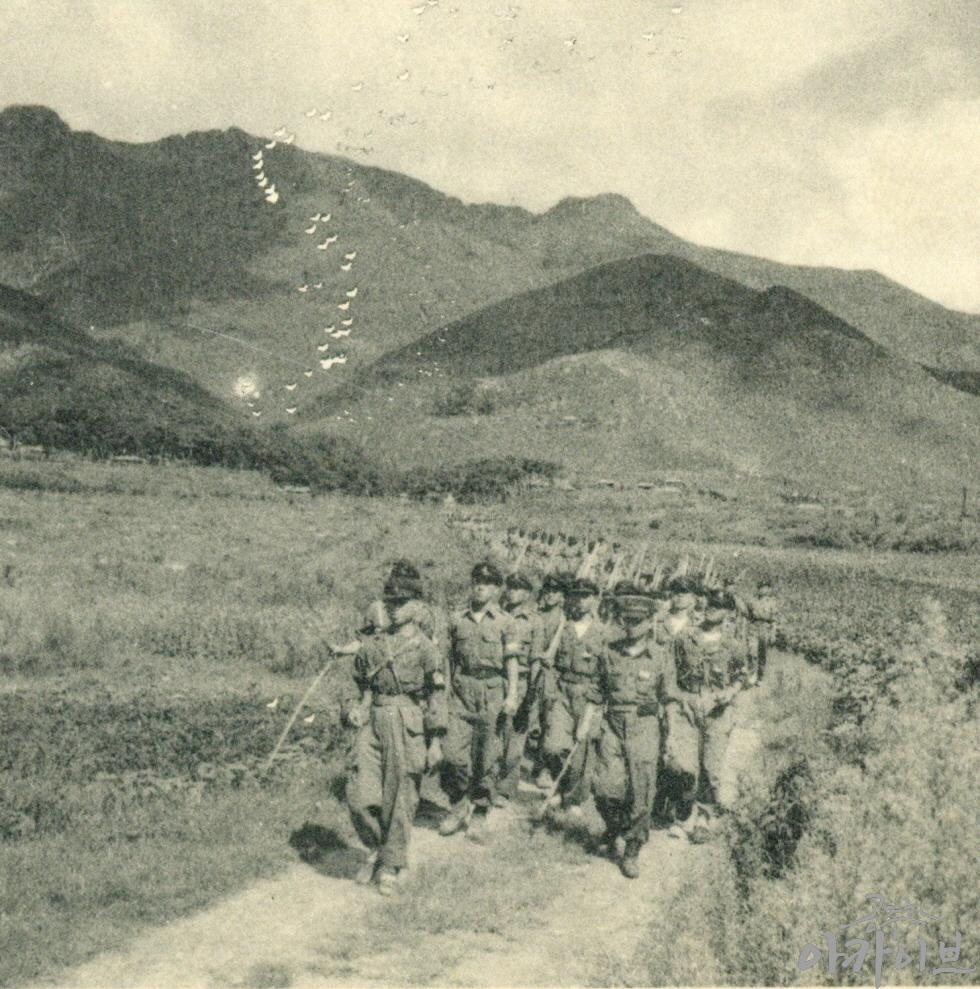 1954년 사대부고 군사훈련 6