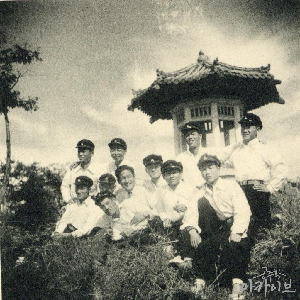 1954년 중앙공원 팔각정