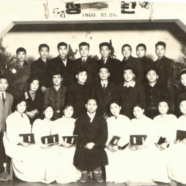 경천감리교회 성탄예배 후 단체 사진
