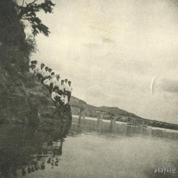 1954년 끈어진 금강교와 금강